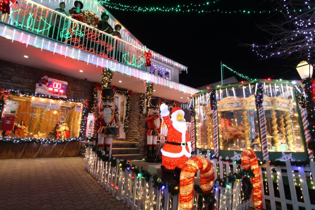 check out the best holiday lights in the outer boroughs of nyc - Christmas Lights Nyc